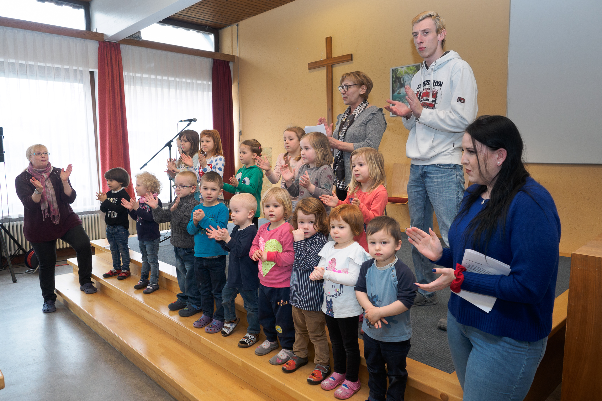 2018-03-27_Frühlingslieder und Sketch : Evangelischer Kirchenbezirk ...